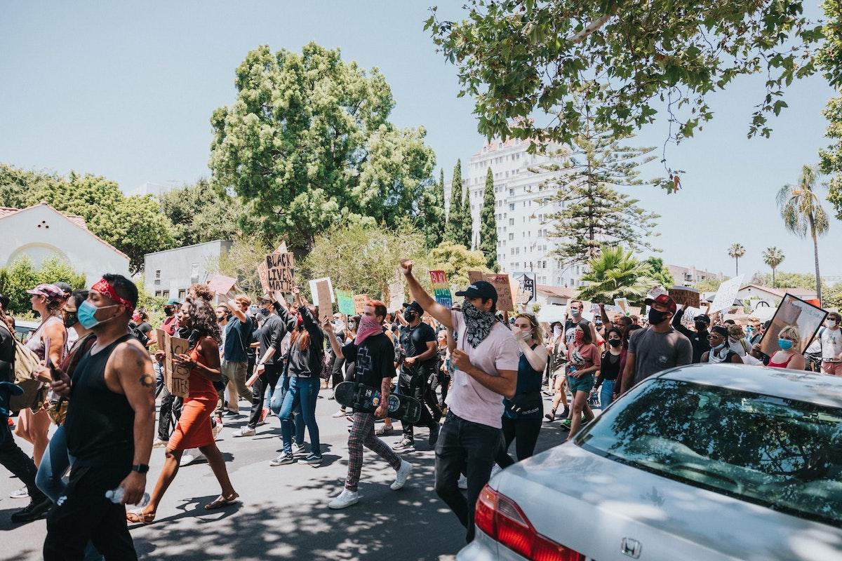 Proteste, Demo, Black Lives Matter. Foto: Erfolgsformel für Proteste, wegweisende Urteile in Brasilien und den USA. Foto: Nathan Dumlao / Unsplash (CC0)