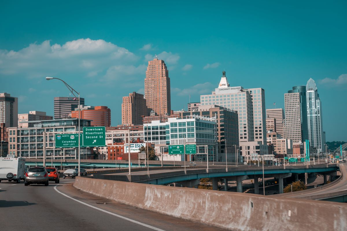 cincinatti-downtown-highway