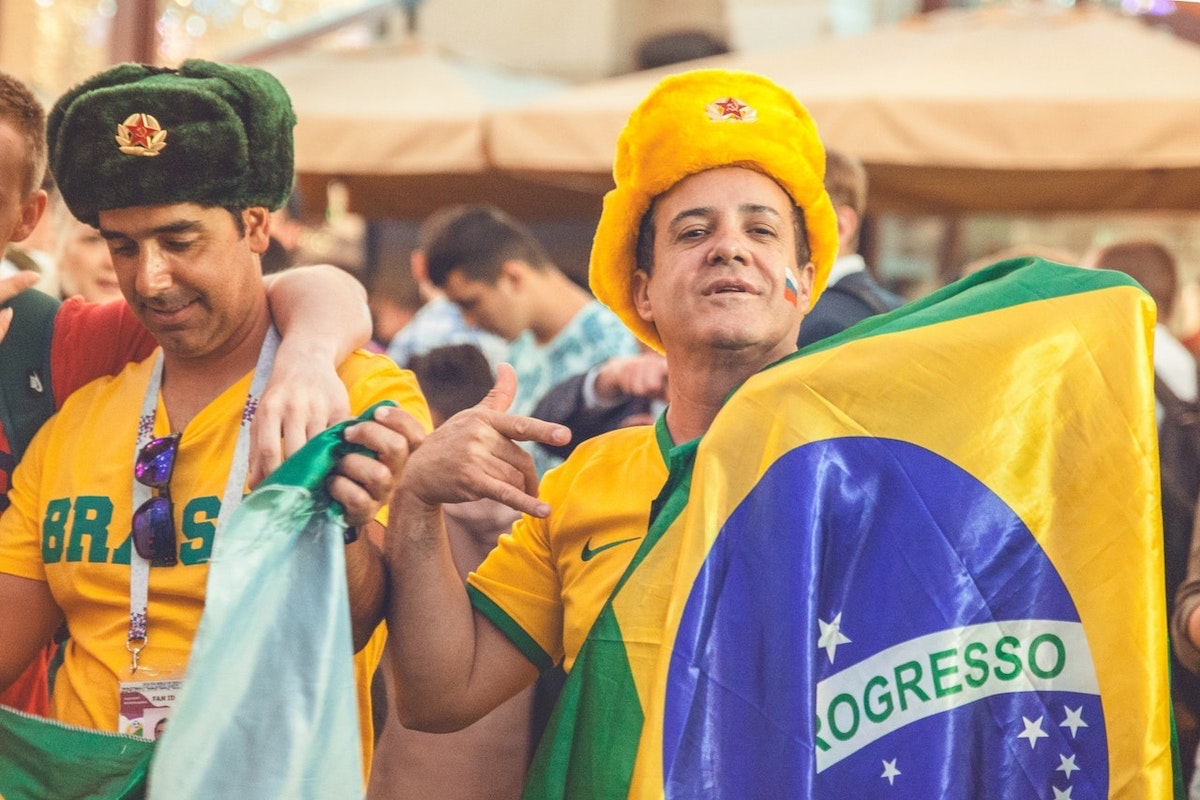 Brazil flag, Brazilians. Photo: Anna Kapustina / Pexels (CC0)