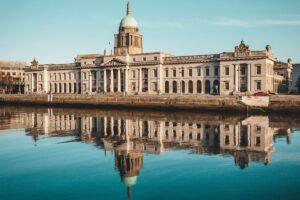 dublin-irish_parliament-traveller-politics
